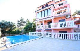Medulin, okolica, prekrasna kuća, 1.red, 30m od mora i plaže. JEDINSTVENO