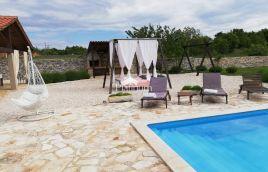 ISTRA. SVETVINČENAT, kuća za odmor sa bazenom