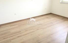 Medulin, Istra - stan 2. kat; 70m2, 2 spavaće sobe, terasa, parking, ostava - blizina mora