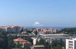 Pula, Veruda - 84m2, 2SS, plin, lift - panoramski pogled na more, sunčano