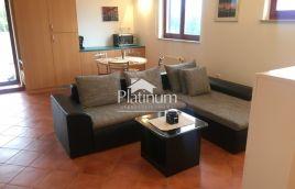 Kuća sa dva stana, Medulin, Premantura - 160m2, POGLED MORE, mirna lokacija, GARAŽA