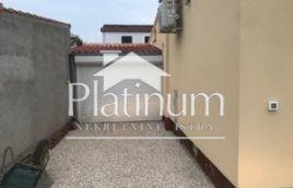 Istra, Fažana, Valbandon, samostojeća kuća 100m2 na 400m2 okućnice, slijepa ulica
