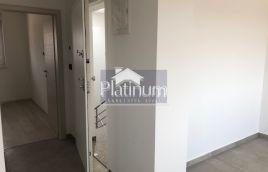 Istra, Pula, Valdebek, stan u novogradnji na drugom katu, 50m2, ostava, parking