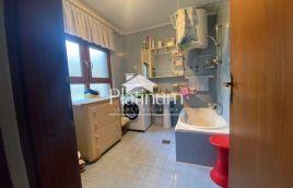 Istra, Pula, Nova Veruda, kuća sa dva stana, 240m2!!