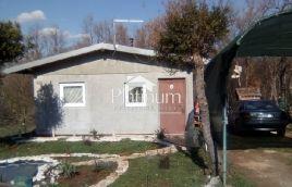 Peroj, počitniška hiša 45m2, 2 sob, opremljeno