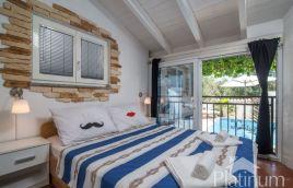 Istria, Medulin, Pomer, casa con la piscina 140m2, 500m2 giardino, posizione tranquilla