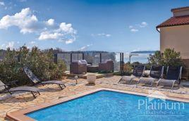 BANJOLE, house with pool, sea view